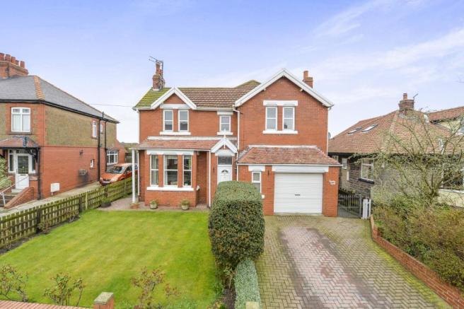 4 Bedroom Detached House For Sale In Runswick Lane