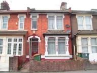1 bedroom Flat for sale in Shakespeare Crescent...