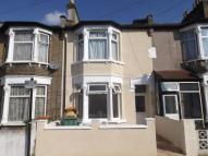 2 bedroom Flat in Monega Road, Forest Gate