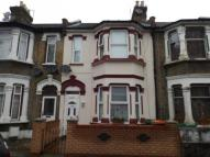 3 bed Terraced house in Grangewood Street...