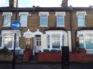 Flat for sale in Rosebery Avenue, London