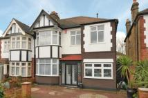4 bedroom semi detached house for sale in North Chingford