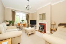 2 bedroom Flat in Seymour Court...