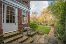 5 bed Detached property in North Chingford