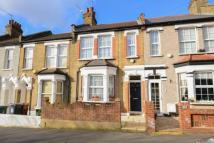 3 bedroom Terraced property in Highams Park