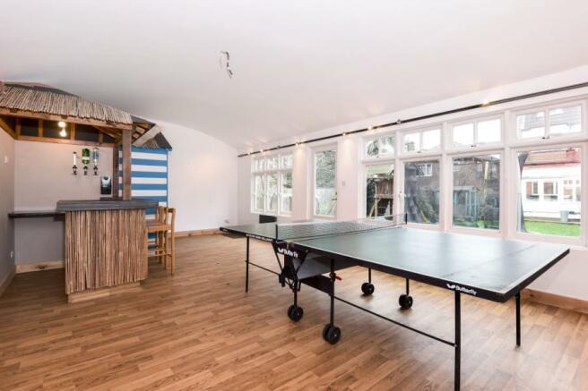 Games Room & Bar
