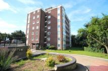 2 bedroom Flat in Treversh Court...