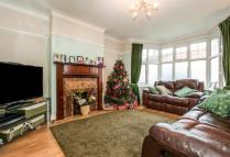 4 bedroom semi detached house in Court Drive, Croydon