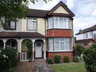 4 bedroom semi detached house in Addiscombe Road, Croydon