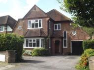 4 bed Detached home in Hinchley Wood, Surrey
