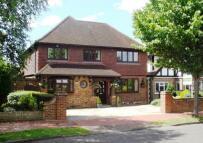 4 bedroom Detached property in Hinchley Wood, Surrey