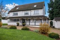 7 bed Detached home in Uplands Road, Kenley...
