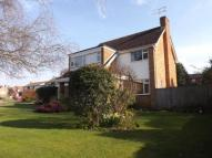 4 bedroom Detached property in Fetcham, Leatherhead...