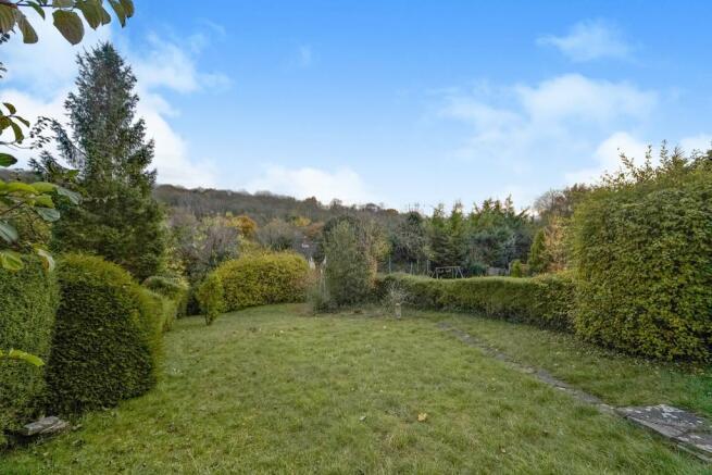 Rear garden with vie