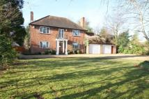 4 bedroom Detached house in Gerrards Cross Road...