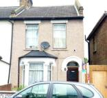 3 bedroom End of Terrace property in Oaklands Road, London, W7