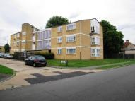2 bed Flat in Howards Close, Pinner...