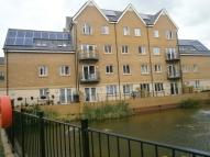 2 bed Flat for sale in Hayes, Middlesex