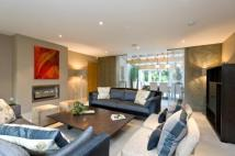 5 bedroom Detached property in The Ridgeway, Fetcham...