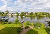 5 bed Detached property for sale in Laleham Reach, Chertsey...