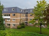 3 bedroom Flat for sale in Pinecroft...