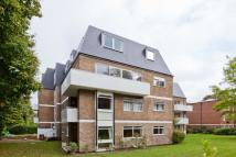 2 bedroom Flat in Pinecroft...