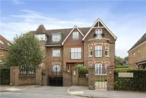 2 bedroom Flat in Queensborough House...