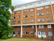 3 bed Maisonette in Beauchamp Court, Bedford...