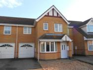 3 bedroom property in Kirkstall Close, Elstow...