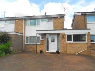 4 bedroom semi detached home in Dewlands, Oakley...