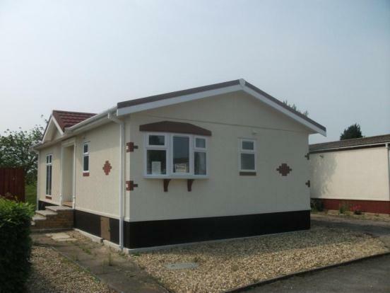 2 Bedroom Mobile Home For Sale In Jacks Hill Park