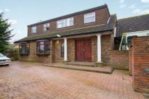5 bedroom Detached home in Icknield Way, Luton...
