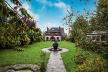 5 bed Detached home for sale in Old Bedford Road, Luton...