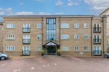 3 bed Flat for sale in River Side, London Road...
