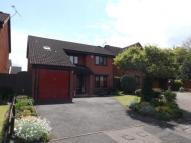 Detached house for sale in Rotherfield, Luton...