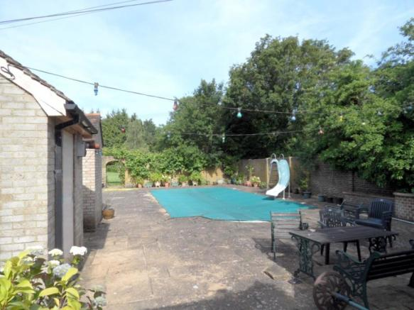 Side Swimming Pool