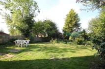 3 bed semi detached property for sale in Elmdene Close, Beckenham