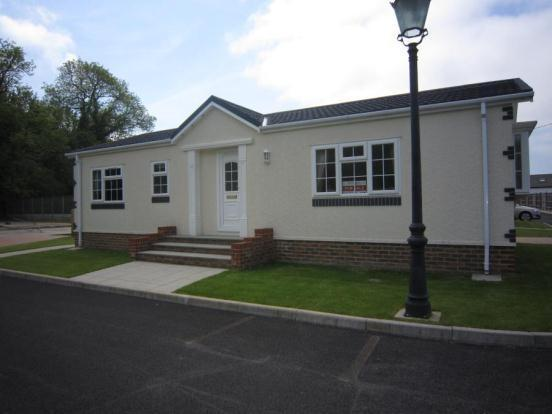 2 bedroom mobile home for sale in ropersole park dover road canterbury kent ct4