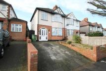 4 bed semi detached property for sale in Green Lane, London