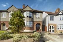 3 bed semi detached property in Green Lane, Eltham...