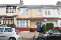 3 bedroom Terraced home in Pinnocks Avenue...
