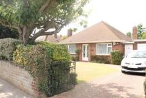 2 bed Bungalow in Windsor Road, Gravesend...