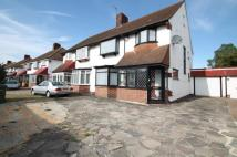 3 bed semi detached property in Sidcup Road, London