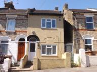 3 bedroom End of Terrace property in Kitchener Road...