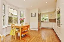 4 bed Terraced property for sale in High Street, Penge