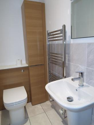 Shower en-suite one