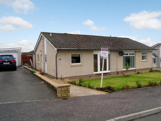 3 bedroom bungalow for sale in banchory avenue glenmavis