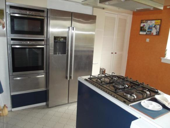 Kitchen (Opp View)