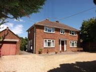 4 bedroom Detached property in Sherfield-On-Loddon...