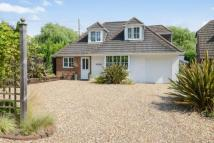 4 bedroom property for sale in Green Lane, Chessington